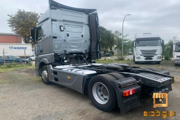 شاحنه مرسيدس  بمواصفات مميزة للبيع